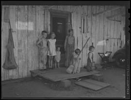 Children at war worker home at Bagley Park stables near Vancouver