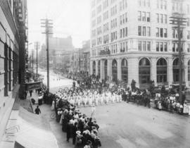 First Rose Festival parade, SW 6th and Oak, 1907