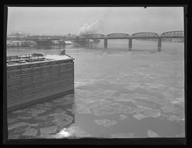 Ice on Willamette River, Portland