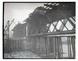 Burnside Bridge under construction
