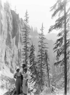 Alfred Parkhurst family in Dewie Canyon near Crater Lake