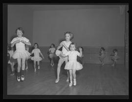 Young ballet students at Oumansky School of Dance, Portland