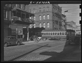 Streetcar on SW Front and Madison Streets