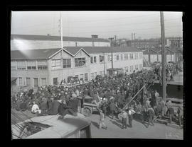 Crowd of workers at award ceremony, Albina Engine & Machine Works, Portland